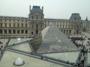 Louvre outside GOOD